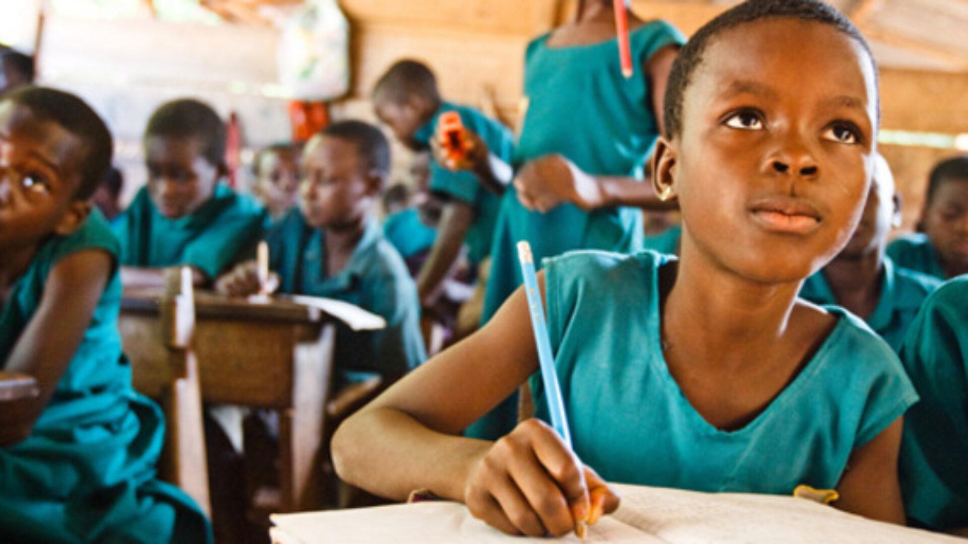 Giáo dục không phải là đặc ân của Chính phủ
