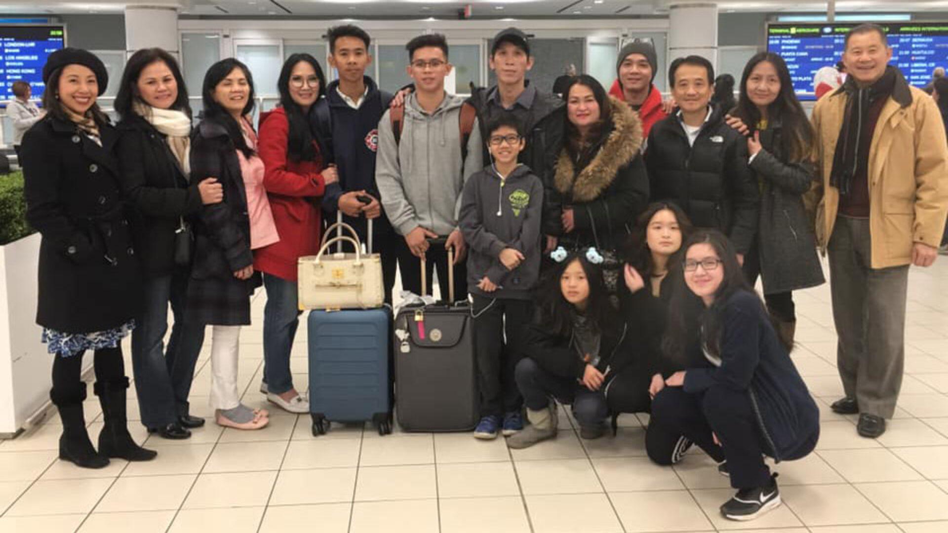 (Tiếng Việt) Thêm một gia đình người Việt tị nạn được đoàn tụ tại Canada
