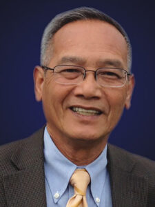 Giang-vien-bao-chi-Nguyen-Khanh-VIETNAM-VOICE