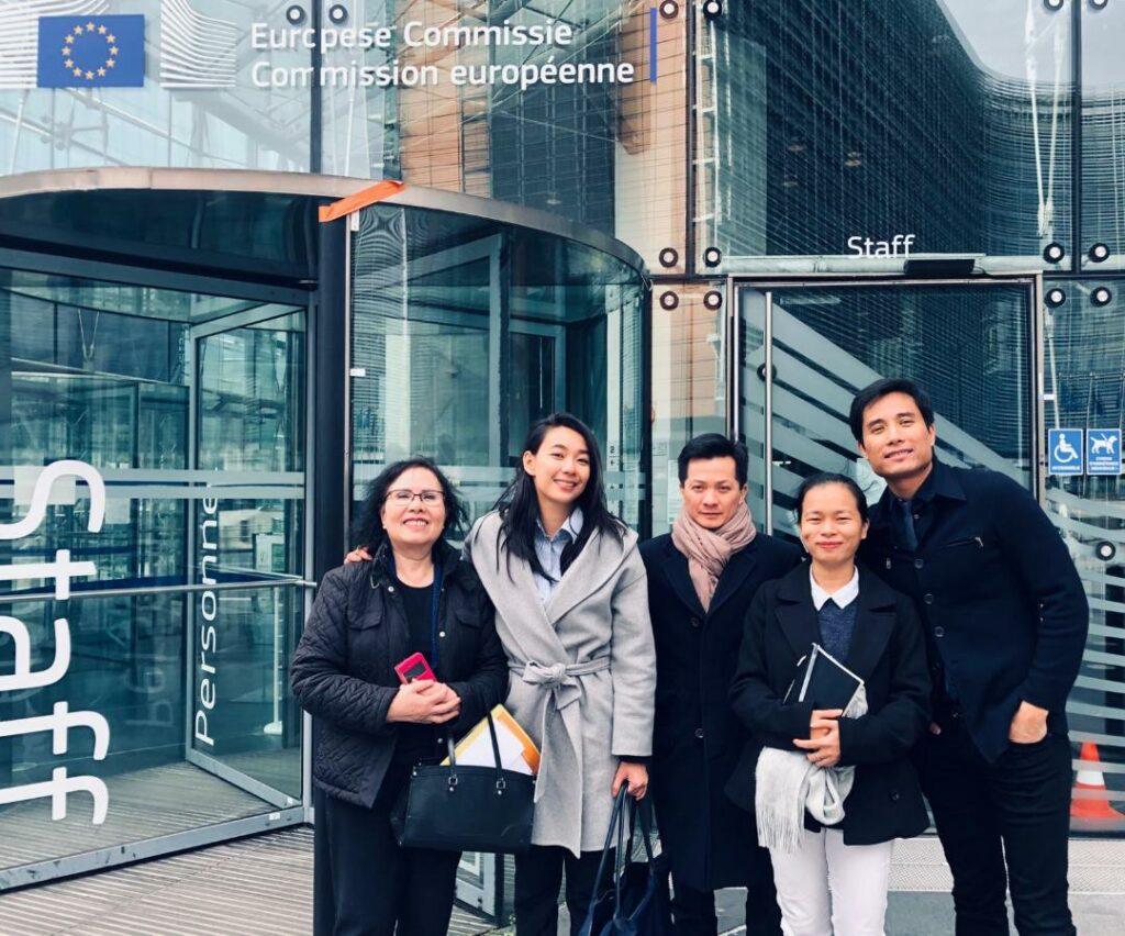 Giang-vien_thac-si-Nguyen-Gia-Duong_Thu-ba-tu-trai-sang-Van-dong-EU-Chau-Au-VIETNAM-VOICE